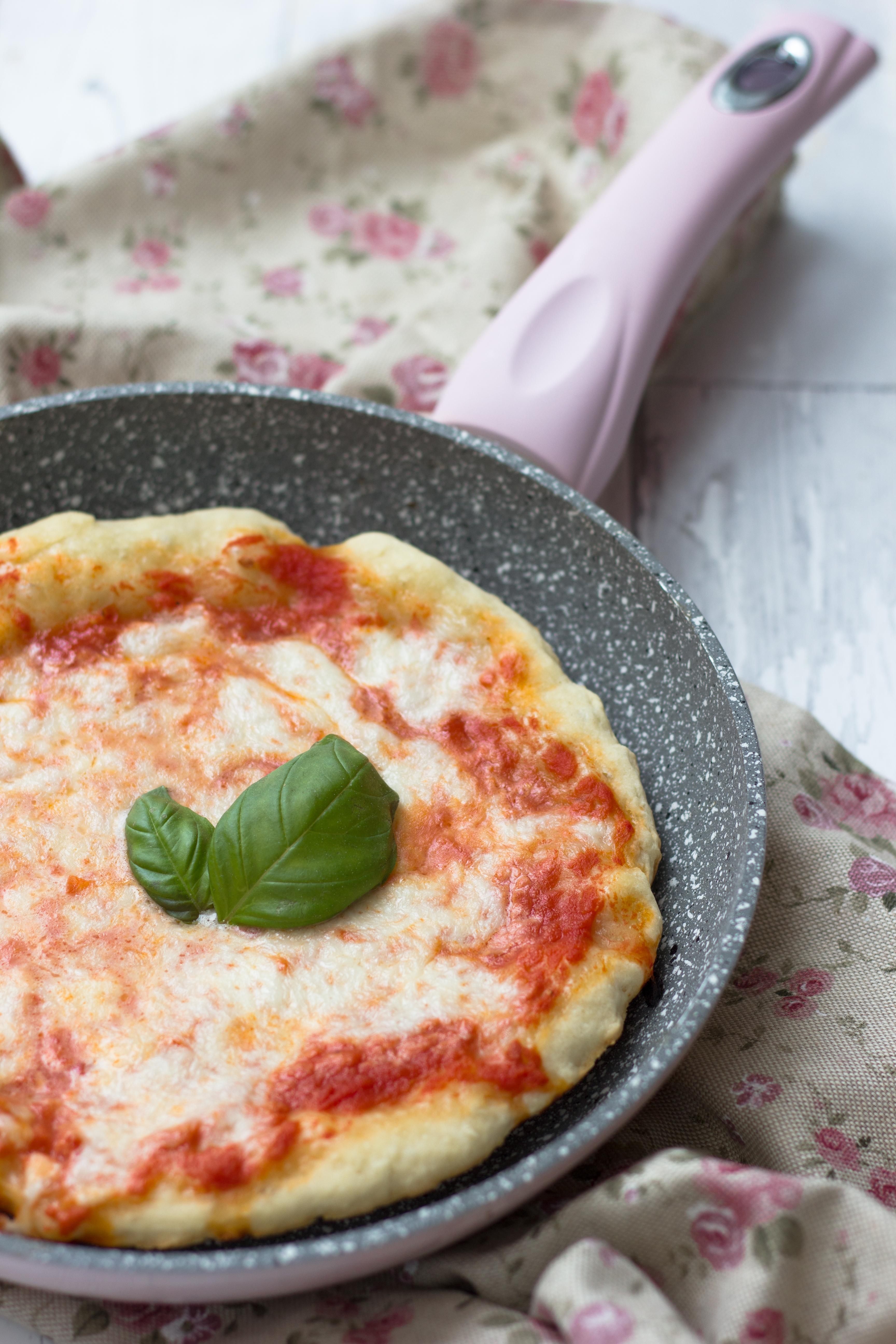 Ricetta Pizza In Padella.Pizza In Padella Fornelli Fuori Sede